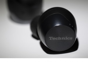 REVIEW: The Technics EAH-AZ70 Wireless Earbuds