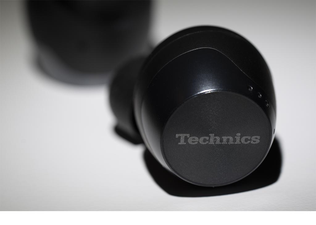 REVIEW: The Technics EAH-AZ70 Wireless Earbuds